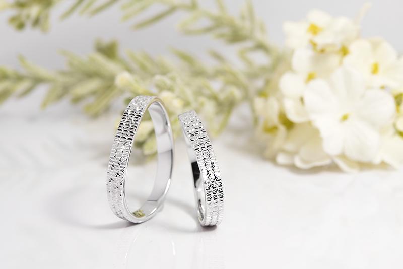 Rivage(リヴァージュ)の結婚指輪|Rhin(ライン)